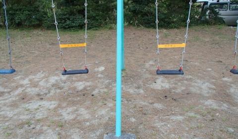茨島児童遊園ブランコ交換
